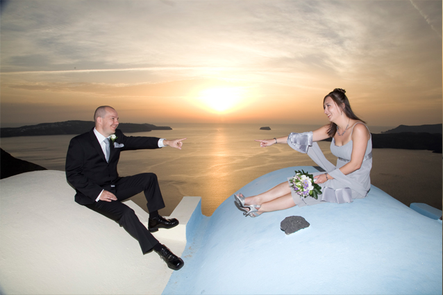 sunset wedding in santorini